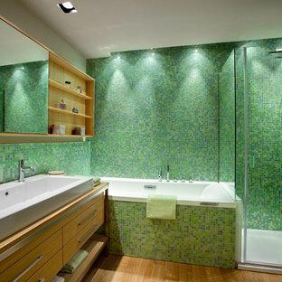 Esempio di una stanza da bagno contemporanea