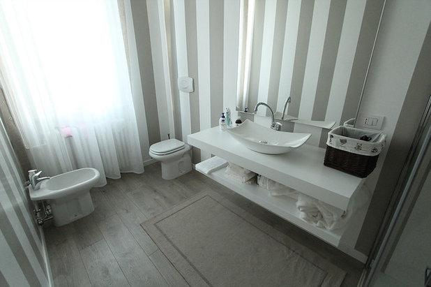 Bagni in resina per un bagno senza piastrelle - Coprire piastrelle bagno resina ...