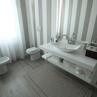Aménagement d'une salle de bain romantique.