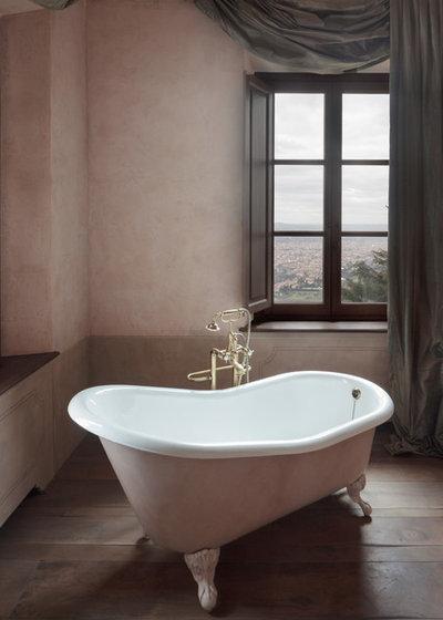 Traditional Bathroom by Niccolò Vonci