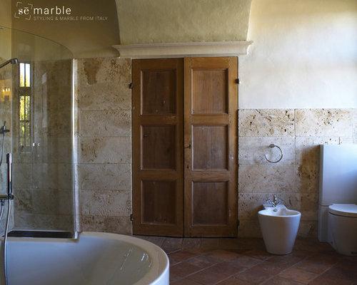 Bagno con piastrelle di marmo torino foto idee arredamento