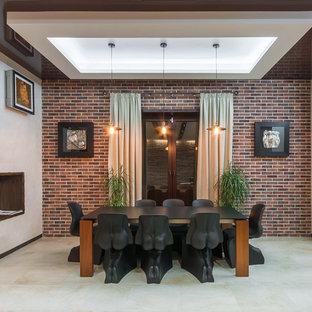 Идея дизайна: столовая в стиле лофт с белыми стенами и серым полом