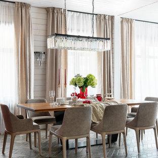 Свежая идея для дизайна: столовая в стиле рустика с бежевыми стенами без камина - отличное фото интерьера