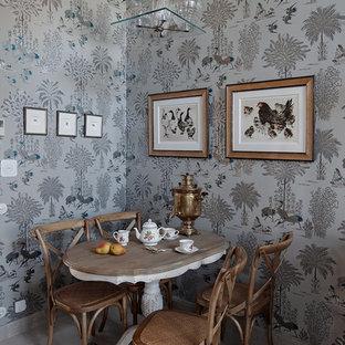 Ejemplo de comedor romántico, de tamaño medio, cerrado, con paredes grises y suelo de mármol