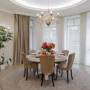 Пример оригинального дизайна: большая столовая в стиле современная классика