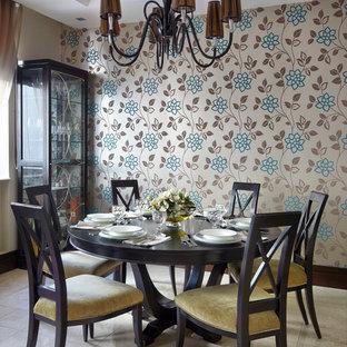 Свежая идея для дизайна: кухня-столовая в стиле современная классика с бежевым полом - отличное фото интерьера