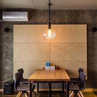 Стильный дизайн: кухня-столовая в стиле лофт с серыми стенами - последний тренд