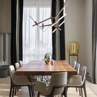 Неиссякаемый источник вдохновения для домашнего уюта: столовая в современном стиле с бежевыми стенами и бежевым полом