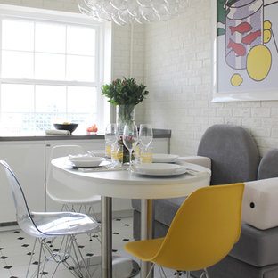 Свежая идея для дизайна: кухня-столовая в современном стиле с белыми стенами и разноцветным полом - отличное фото интерьера