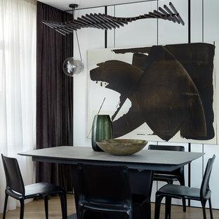 Идея дизайна: гостиная-столовая в современном стиле с белыми стенами, светлым паркетным полом и бежевым полом