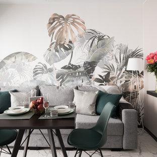 Новый формат декора квартиры: столовая в современном стиле с разноцветными стенами и серым полом