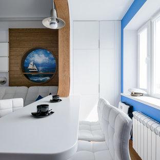 Выдающиеся фото от архитекторов и дизайнеров интерьера: столовая в морском стиле