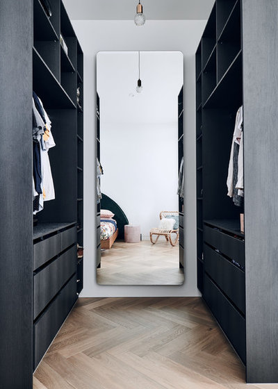 Contemporary Wardrobe by Byrne Architects