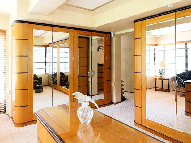 Contemporary Wardrobe by Michael Bell Architects Pty Ltd