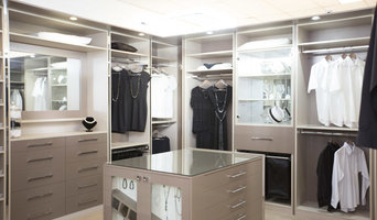 Deluxe Dressing Room