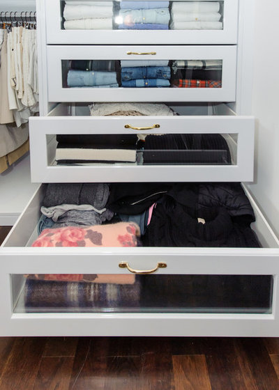 Trendy Opbevaring & garderobe by Clever Closet Company