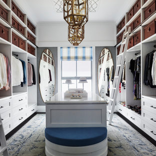 Design ideas for a traditional storage and wardrobe in Sydney.