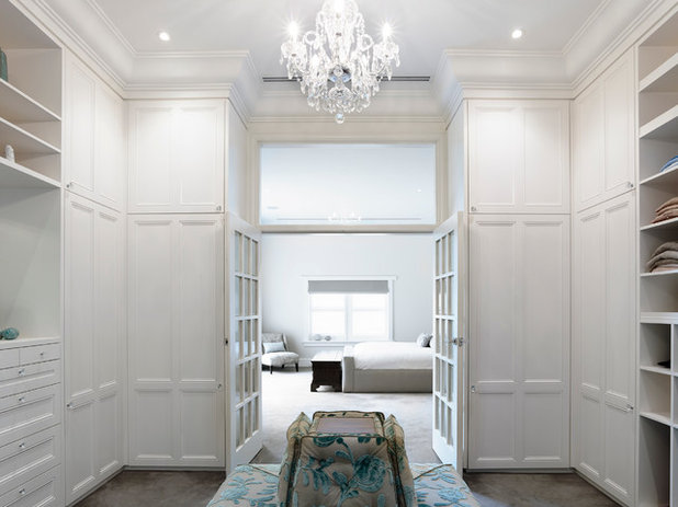 Traditional Closet by Canny