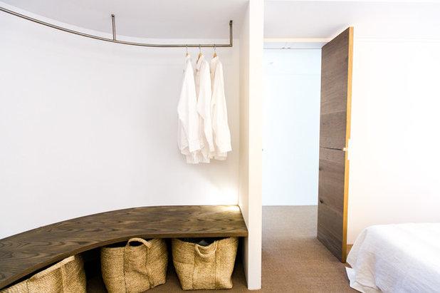 Modern Ankleidezimmer by C+M Studio