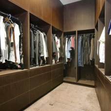 Contemporary Closet by Metroworks Architects Pty Ltd