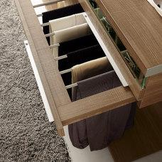 Modern Closet by Wokai Design