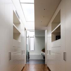 Contemporary Closet by Steve Domoney Architecture