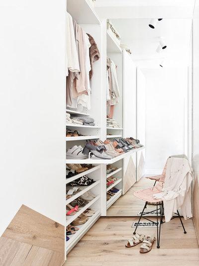 Contemporary Wardrobe by NORTHBOURNE Architecture + Design