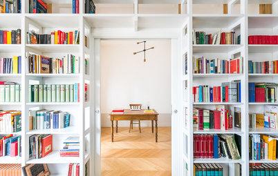 Come Hanno Fatto i Pro? 6 Librerie Progettate Intorno a Una Porta