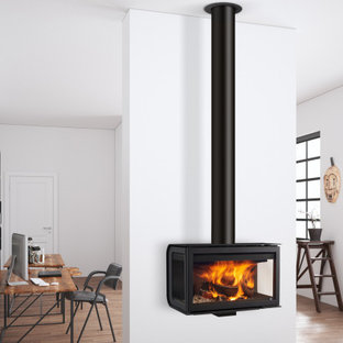 他の地域のラスティックスタイルのおしゃれなホームオフィス・書斎 (吊り下げ式暖炉) の写真