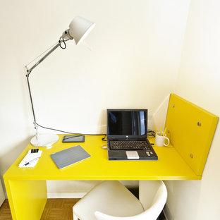 ローマのコンテンポラリースタイルのおしゃれなホームオフィス・書斎の写真