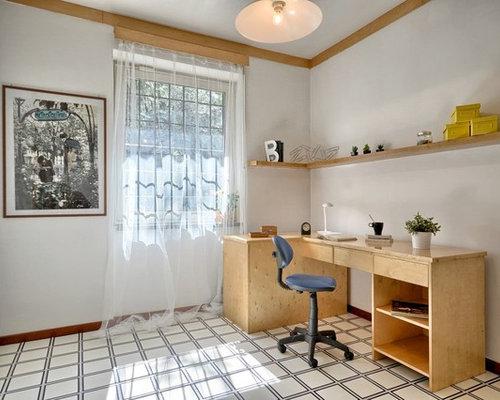 Bureau moderne avec un sol en carrelage de c ramique for Interni case minimaliste