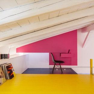 Idee per un atelier contemporaneo con pareti rosa e parquet chiaro