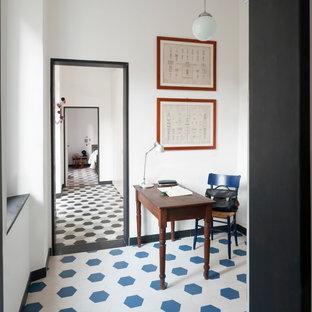 Cette photo montre un bureau scandinave avec un mur blanc, aucune cheminée, un bureau indépendant et un sol en carrelage de céramique.