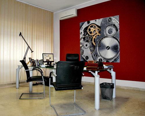 Bureau avec un sol en marbre et un mur rouge photos et for Bureau en marbre