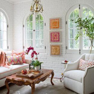 Idéer för att renovera ett litet vintage uterum, med tegelgolv och tak