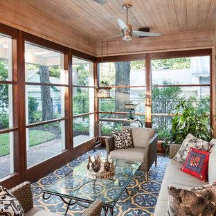 Idee per una veranda boho chic con moquette, soffitto classico e pavimento multicolore