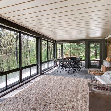 3-Season Room Nestled in Kettle Moraine Paradise