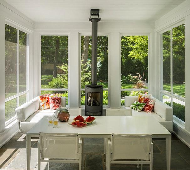 Modern Porch by Fraerman Associates Architecture