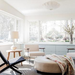 Ispirazione per una veranda minimalista di medie dimensioni con parquet chiaro