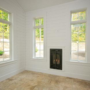 Idee per una veranda chic di medie dimensioni con pavimento con piastrelle in ceramica, camino classico, cornice del camino in legno, soffitto classico e pavimento beige