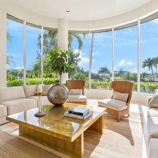 Großer Moderner Wintergarten mit Marmorboden und normaler Decke in Miami