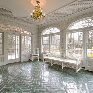Inspiration för ett vintage uterum, med grönt golv