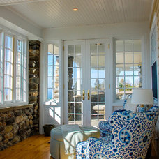 Traditional Sunroom by Phoenix Architects