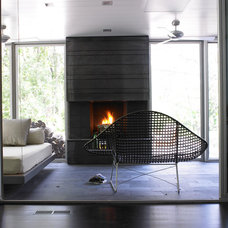 Contemporary Sunroom by Streeter & Associates, Inc.