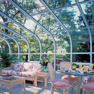 Curved eave rooms