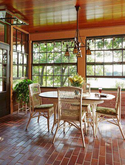 Craftsman Sunroom by David Heide Design Studio