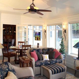 Inspiration for a mid-sized timeless carpeted sunroom remodel in New York with a standard ceiling
