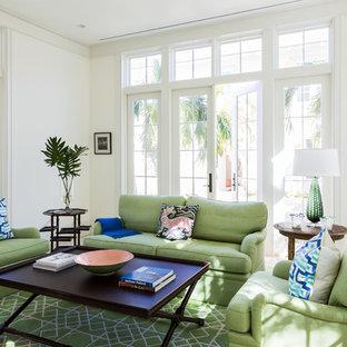 Imagen de galería tropical con techo estándar