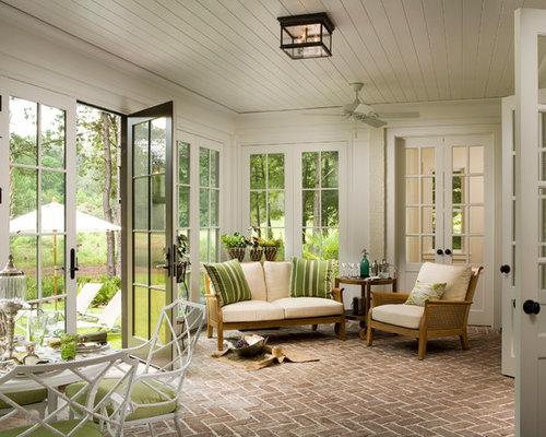 Farmhouse sunroom design ideas remodels photos houzz for Solarium flooring