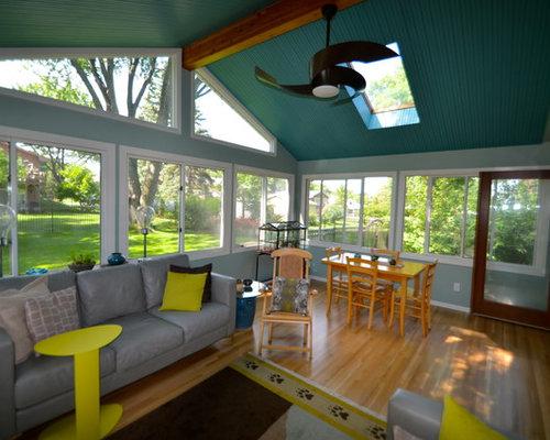 v randas avec chemin e suspendue et un sol en bois clair photos et id es d co de v randas. Black Bedroom Furniture Sets. Home Design Ideas